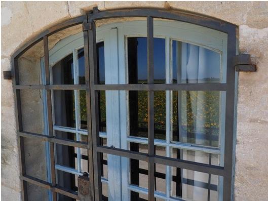 burglar-proof windows